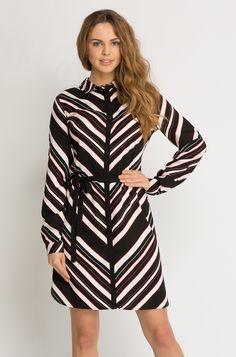 Luftiges Kleid mit Geo-Print