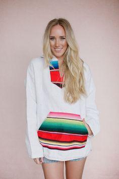Serape Hoodie Mexican Blanket Sweater Boho by ThreeBirdNest Hoodie Sweatshirts, Hoodies, Böhmisches Outfit, Bohemian Tops, Bohemian Clothing, Chic Clothing, Baja Hoodie, Look Cool, Beachwear