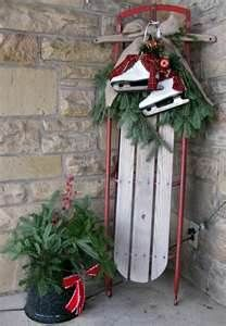 I love old sleds garland and bells!