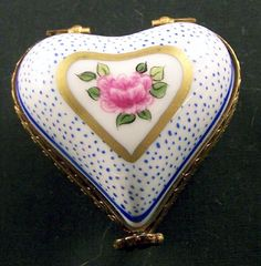 Porcelain Manufacturers In China My Funny Valentine, Valentine Box, Jewelry Dresser, Jewelry Box, Print Box, Antique Boxes, Tiny Treasures, Treasure Boxes, Little Boxes