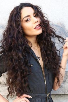Here's a super beach-worthy hairstyle if you are someone who rocks natural curls. Vanessa Hudgens looks scorching hot in her sexy and super voluminous curls! Summer Hairstyles, Wig Hairstyles, Hairstyles Pictures, Hairstyles 2016, Trendy Hairstyles, Long Hair Curled Hairstyles, Fashion Hairstyles, Vanessa Hudgens Hair, Vanessa Hudgens Insta