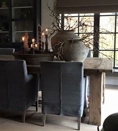 wabi-sabi~ Interior inspiration - Health and wellness: What comes naturally Style At Home, Casas Magnolia, Dining Chair Slipcovers, Dining Chairs, Living Spaces, Living Room, Interior Decorating, Interior Design, Small Room Bedroom