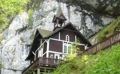 Wallfahrtskirche Schüsserlbrunn Kirchen, Style At Home, Cabin, House Styles, Home Decor, Road Trip Destinations, Cabins, Cottage, Interior Design