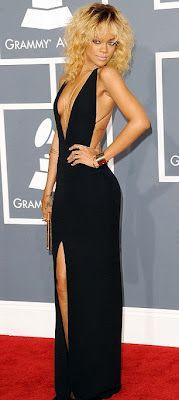 Rhianna looks beautiful and sleek.