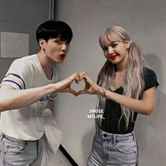Bts Taehyung, Bts Jimin, Nct Group, Bts Girl, Kpop Couples, Blackpink And Bts, Perfect Couple, Blackpink Lisa, What Is Love