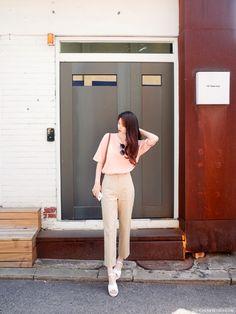 we are cherrykoko Basic Outfits, Teen Fashion Outfits, Korean Outfits, Classy Outfits, Fashion Pants, Casual Outfits, Cute Outfits, Korean Fashion Trends, Korea Fashion