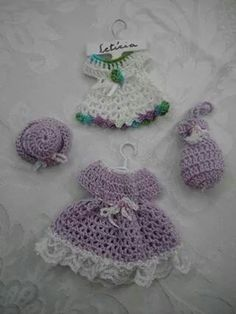 . Crochet Potholders, Crochet Stitches, Crochet Patterns, Crochet Doll Clothes, Crochet Dolls, Doll Costume, Mini Things, Little Doll, Baby Crafts