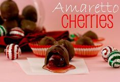 chocolate co amaretto cherries Candy Recipes, Sweet Recipes, Holiday Recipes, Dessert Recipes, Healthy Recipes, Chocolate Covered Cherries, Chocolate Cherry, Just Desserts, Delicious Desserts