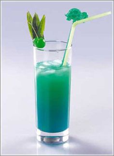 Blue palm cocktail.Delicious rum based mixed drink.Very easy to make.