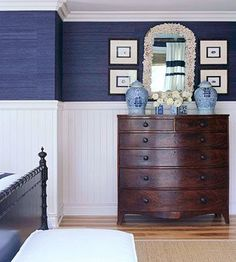 My navy grasscloth obsession: Navy grasscloth, white beadboard, antique chest, ginger jars. Love this grasscloth because it has a more vibrant blue hue. Sweet Home, Hm Deco, Theodora Home, White Beadboard, Dark Furniture, Bedroom Furniture, Furniture Design, Cottage Furniture, Coastal Furniture