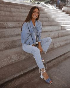 Fav shoes x Spanish Girls, Carrie Bradshaw, Mom Jeans, Pants, Photography, Outfits, Shoes, Instagram, Youtubers