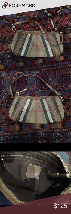 Burberry purse It's used but in good condition, corners have minor wear Burberry Bags Shoulder Bags