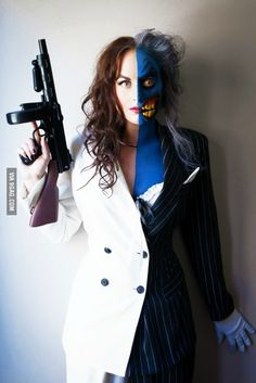 Stunning Lady Two-Face Cosplay