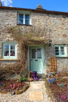 """(ajoyfulcottage) A tour of """"Pixie Nook Cottage"""" in Cornwall `love those purple wellies too! ♥.¸¸.•♥"""