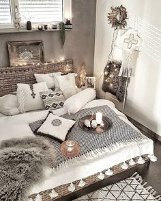 Bohemian Bedroom Decor And Bed Design Ideas - Ideen für Wohnung - Home Bohemian Bedroom Decor, Home Decor Bedroom, Bedroom Ideas, Modern Bohemian Decor, Bohemian Room, Bohemian Bedding, Bohemian House, Bohemian Interior, Dream Rooms