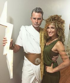 Zeus and Medusa Halloween Costume Medusa Halloween Costume, Hallowen Costume, Halloween Dress, Halloween Outfits, Fall Outfits, Clever Halloween Costumes, Holiday Costumes, Halloween Looks, Diy Costumes