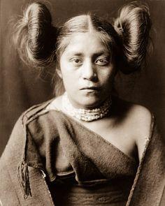 Diese Bilder sind für Menschen der modernen Welt kaum nachvollziehbar. Dabei entstanden sie nicht einmal vor 100 Jahren!