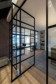 Deuren, vloer, mooie indeling hal - keuken- woonkamer