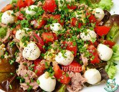 Рецепт: Салат с тунцом и моцареллой Caprese Salad, Cobb Salad, Food Porn, Dinner, Life, Recipes, Dining, Dinners, Insalata Caprese