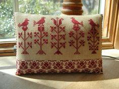 Early Style Shaker Redwork Pillow