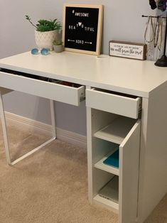 Looking for the best student desks that fit small spaces, corners, & bedrooms? Try Top 10 Best Desks For Students […] Small Room Desk, Desks For Small Spaces, Ikea Small Desk, Kids Desk Space, Small Corner Desk, Bedroom Corner, Room Ideas Bedroom, Boys Bedroom Decor, Baby Bedroom