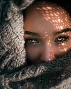 Light and shadow portrait photography women model portrait inspiration photography - Shadow Photography, Creative Portrait Photography, Photography Poses Women, Creative Portraits, Photography Tips, Outdoor Photography, Photography Backdrops, Photography Outfits, Photography Composition