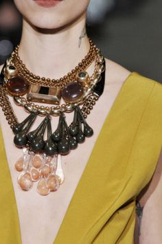 Trending in Jewelry : Big Bold XXL Statement Necklaces on the Runway