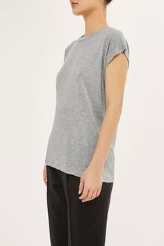 Keep it simple in this super slinky grey marl t-shirt by Boutique featuring grown on sleeves. A versatile piece, where with anything from trousers to a high waisted skirt. Billboard Women In Music, Urban Outfitters, High Waisted Skirt, Topshop, Trousers, Normcore, Boutique, Sleeves, Mens Tops