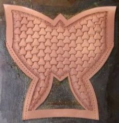 How to make a falconry hood. A complete step by step tutorial. # falconry hood How to Make a DIY Leather Falconry Hood Hood Pattern, New Artists, Exotic Pets, Leather Craft, Hoods, Objects, Paper Crafts, How To Make, Raptors