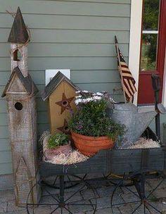 . Prim Decor, Country Decor, Farmhouse Decor, Country Homes, Country Porches, Rustic Porches, Primitive Decorations, Country Fall, Garden Decorations