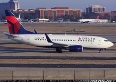 Delta Air Lines Boeing 737-732