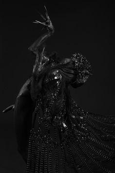 Dark Court Noir, Photographie, Beauté Sombre, Nuances De Noir, Gothic,  Mythologie d4896f8ab5e2