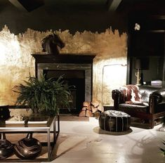 10 Beautiful Rooms: Northern Style - Mad About The House - This week on 10 Beautiful Rooms we are celebrating northern style. When I worked in newspapers ther - Cafe Interior, Interior And Exterior, Interior Design, Interior Office, Mad About The House, Black Rooms, Dark Walls, Dark Interiors, Beauty Room