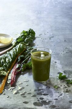California+Dreamin+Green+Juice - Looking+for+juice+cleanse+recipes?+This+chard,+lettuce,+cucumber+and+lemon+juice+is+great+for+a+Fall+detox.