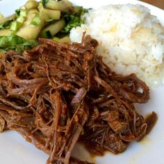 Aprende a preparar carne mechada venezolana con esta rica y fácil receta.  Esta preparación típica venezolana, consiste en una carne (falda de la vaca) que se...