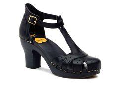Antique Sandal - Black