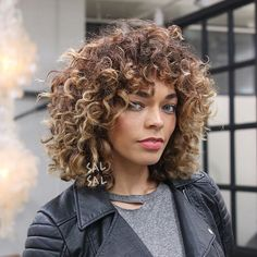 Wow, didn't realize my curly shag with bangs is on trend! Accidentally in style, cool.  curly shag Cut/Style @salsalhair