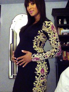 Tamera is rocking this dress so well, she makes me want to be pregnant!