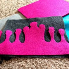 birthday crown tutorial {Felt With Love Designs}; I'd make it much smaller though