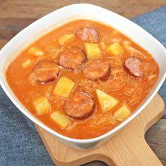 Zobrazit Zelňačka receptů Czech Recipes, Ethnic Recipes, Quiche, Tasty, Yummy Food, Goulash, Cabbage Soup, Snack Recipes, Snacks