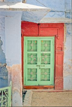 Vibrant Colors in Osian India | photography by http://www.fionacaroline.com/