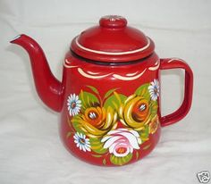 Traditionally decorated tea pot - a beautiful example of canal boat art Red Teapot, Enamel Teapot, Enamel Ware, Castle Painting, Boat Painting, Canal Boat Art, Teapots Unique, One Stroke Painting, Pip Studio