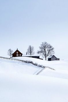 Find images and videos about winter, snow and house on We Heart It - the app to get lost in what you love. Winter Szenen, I Love Winter, Winter Magic, Winter Christmas, Winter White, Clear Winter, Prim Christmas, Christmas Scenes, Beautiful World