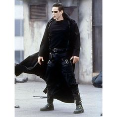 Keanu Reeves as Neo - The Matrix The film used locations around Sydney, including the abandoned White Bay Power Station. Keanu Reeves Matrix, Actor Keanu Reeves, Keanu Charles Reeves, Distressed Leather Jacket, Long Leather Coat, Leather Jackets, Real Leather, Leather Pants, Black Leather