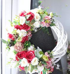 Wedding Wreaths, Diy Wreath, Christmas Wreaths, Floral Wreath, Facebook, Home Decor, Crown Flower, Floral Crown, Decoration Home