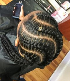 Snake Braids Snake Braids Long and curvy braids are not your typical cornrows, but the idea is pretty much the same. Try the snake braids if you want a fresh take on the hair braided closely to the scalp. Add golden beads for extra bling! Braided Hairstyles For Black Women, Braids For Black Hair, African Hairstyles, Girl Hairstyles, Black Hairstyles, Hairstyles 2018, Braids For Black Women Cornrows, Simple Hairstyles, Trending Hairstyles
