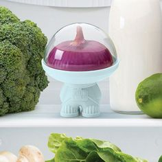 From a galaxy far far away comes AstroHe has been called on a special mission to help keep your half fruits and veggies fresh.Astro will easily fit in the space shuttle you are mistaken for a fridge.  100% Food safe ; Dishwasher proof ; Do not microwave Material: Plastic Size: 9 x 9 x 10 cm Designed by: OTOTO