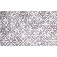 Zilveren tafelloper ruit patroon met glitters 30 x 270 cm. Een rol van 30 x 270 cm met organza stof met glitters. De zilveren stof heeft een wit patroon van sneeuwvlokken in ruit.