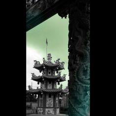Pagoda dragon pillar