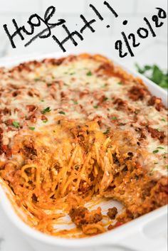 Million Dollar Spaghetti is a tasty cheese and meat-filled pasta casserole that will feed and fill up a big family or group! This easy casserole is the perfect dinner recipe for even the pickiest eaters (and trust me I have a household of those! Spaghetti Dinner, Spaghetti Casserole, Pasta Casserole, Spaghetti Recipes, Casserole Recipes, Pasta Recipes, Dinner Recipes, Cooking Recipes, Spaghetti Bake Recipe Easy
